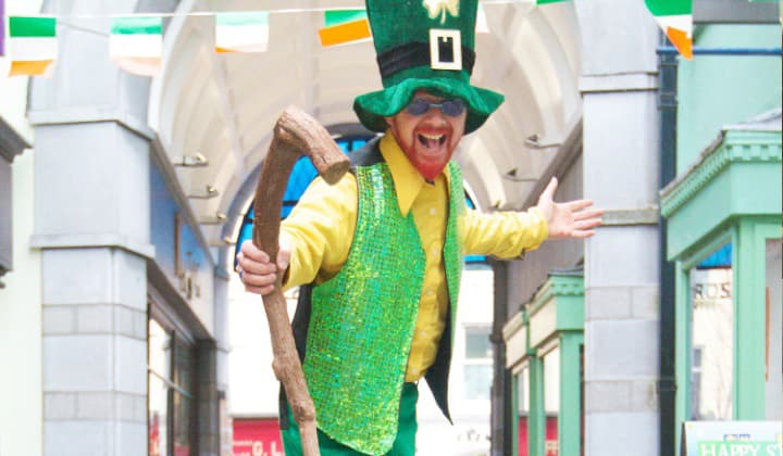 A St. Patrick's day entertainer in Dublin